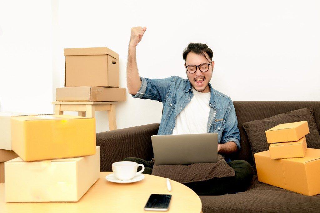 Man doing online selling