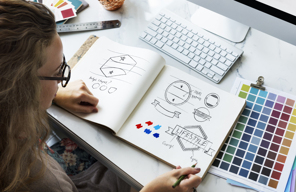choosing a logo and color