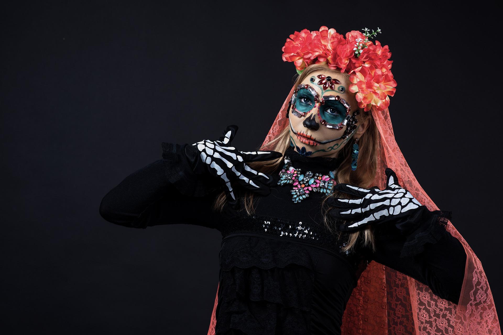 woman-wearing-la-calavera-catrina-inspired-outfit