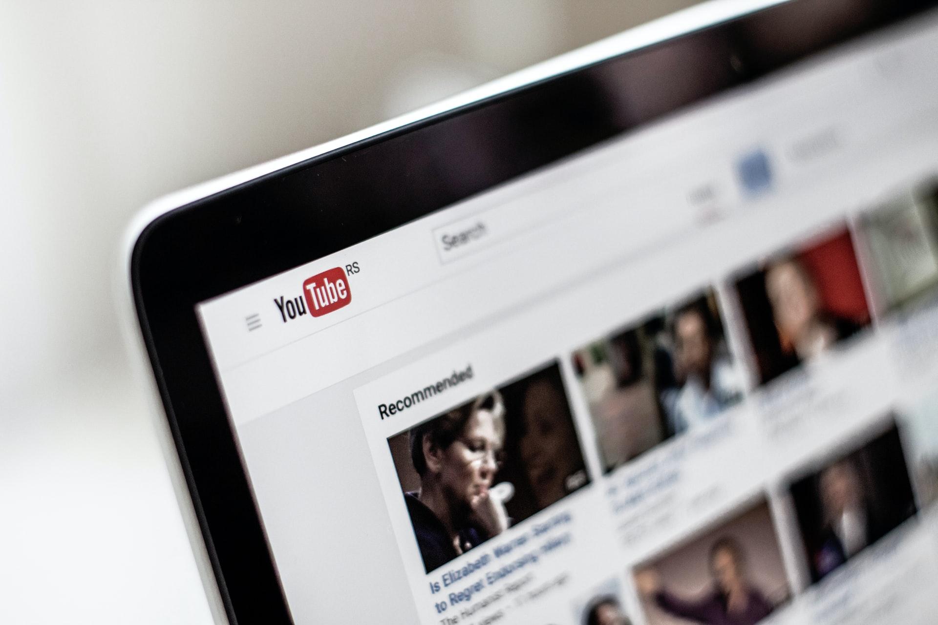 laptop-youtube-browsing